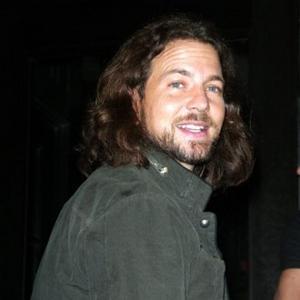 Eddie Vedder Marries In Hawaii