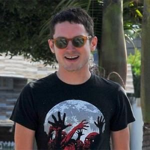 Elijah Wood Pays Tribute To Mother