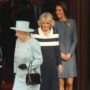 Queen Elizabeth Sets Example To Catherine