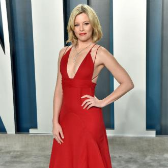 Elizabeth Banks re-wears her 2004 gown to Vanity Fair party