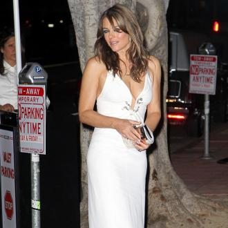 Elizabeth Hurley: Power Walks Keep Me Toned