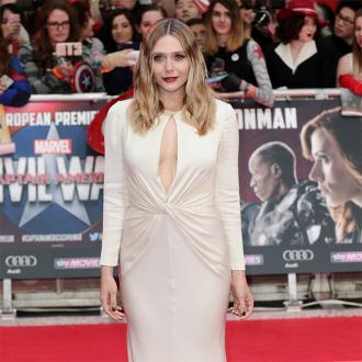 Elizabeth Olsen Cries Over Her Red Carpet Outfits