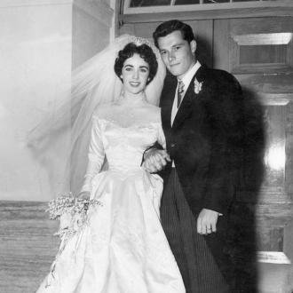 Elizabeth Taylor's Wedding Dress Sells For Over £100k