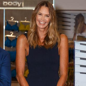 Elle Macpherson walks in seawater to reduce bloating