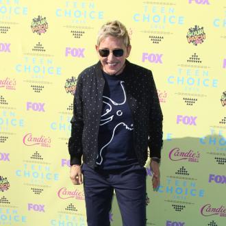 Ellen DeGeneres dedicates award to Portia de Rossi