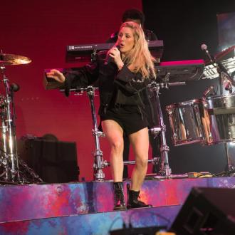 Ellie Goulding urges fellow touring musicians to go green