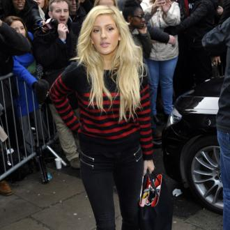 Ellie Goulding Helping Homeless At Christmas