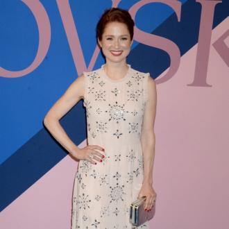 Ellie Kemper: Kissing Daniel Radcliffe 'felt wrong'