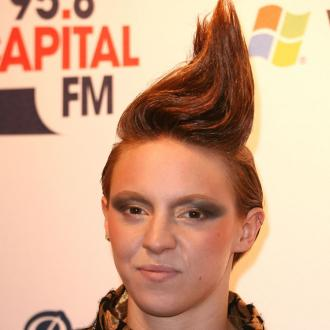 La Roux 'wanted to run away' after tour