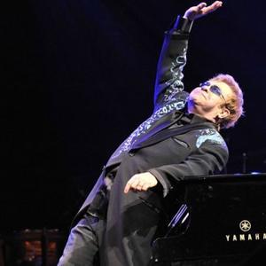 Elton John Admires Brave Kate