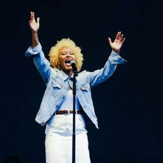 Emeli Sandé offers lucky fan private jamming session to raise funds for MS Society