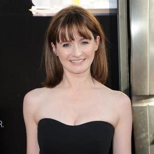 Emily Mortimer Told To Improve Personal Grooming