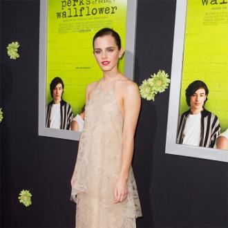 Emma Watson Defends Kristen Stewart