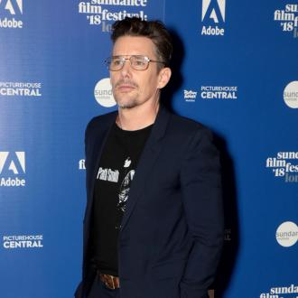 Ethan Hawke praises Logan and clarifies 'criticism'