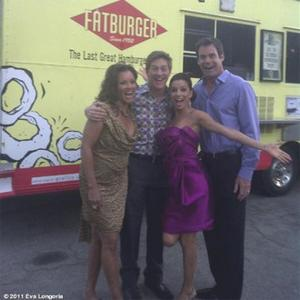 Eva Longoria Buys Burgers For Housewives Crew