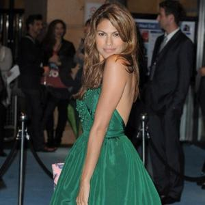 Eva Mendes Doesn't Need Movie Make-up