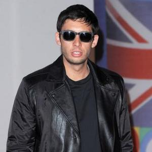 Example Joins Itunes Festival