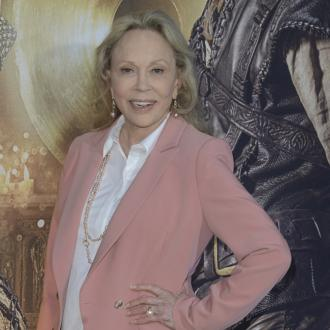 Faye Dunaway sued by ex-assistant