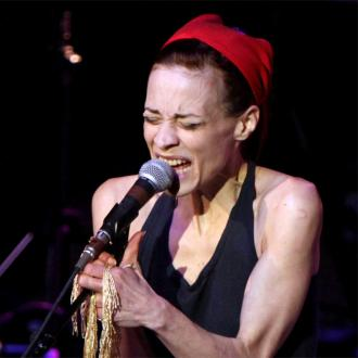 Fiona Apple sends support to Sinead O'Connor