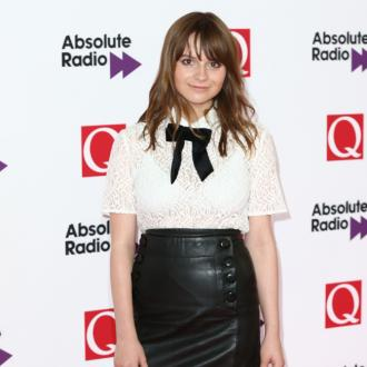 Gabrielle Aplin is using healing crystals