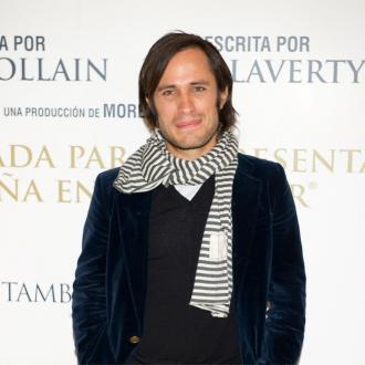 Gael Garcia Bernal directing with Diego Luna