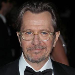 Gary Oldman Signs Up For Robocop Remake