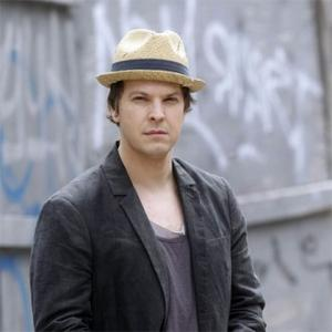 Gavin Degraw Hospitalised Following Attack