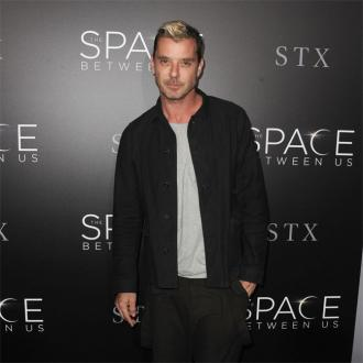Gavin Rossdale dating German model Sophia Thomalla