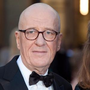Geoffrey Rush Glad At Oscar Loss As It 'Shares The Wealth'