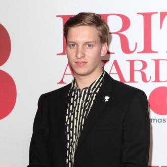 George Ezra snacks on garlic in self-isolation