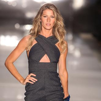 Gisele replaces Kate Moss for shoe campaign