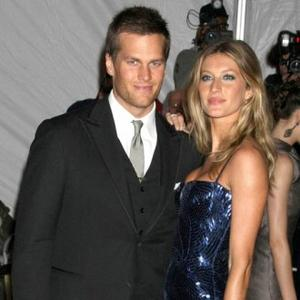 Gisele Bundchen Furious With Tom Brady's Teammates