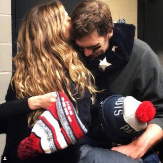 Gisele Bundchen comforts husband Tom after Super Bowl loss