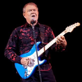 Country music stars pay tribute to Glen Campbell