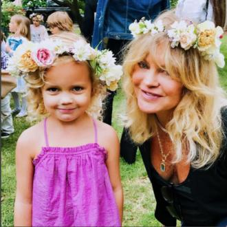 Goldie Hawn 'graduates' from pre-school