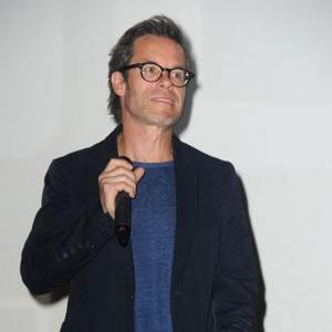 Guy Pearce Looks For Moving Movies
