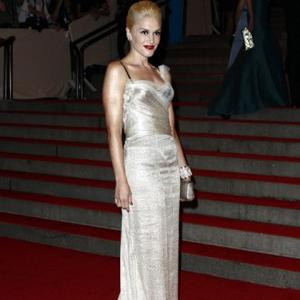 Gwen Stefani Impresses Husband With Red Lips