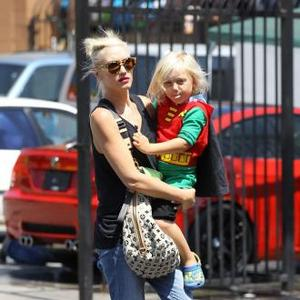 Overwhelmed Mother Gwen Stefani