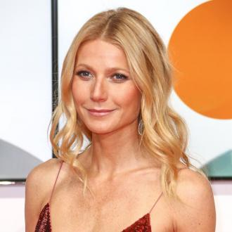Gwyneth Paltrow Enjoys Girls' Night Out