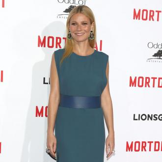 Gwyneth Paltrow's Daughter Borrows Her Clothes