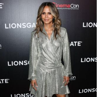 Halle Berry eats turkey testicles to avoid awkward question