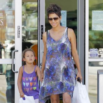 Halle Berry To Pay $16,000 For Child Support