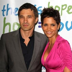 Halle Berry Steps Out With Olivier