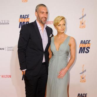 Jaime Pressly pregnant with twin boys