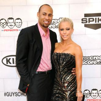 Kendra Wilkinson and Hank Baskett split?