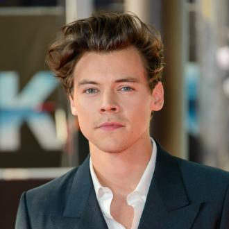 Harry Styles sleeps in new Gucci perfume