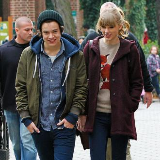 Taylor Swift Whisks Harry Styles To London