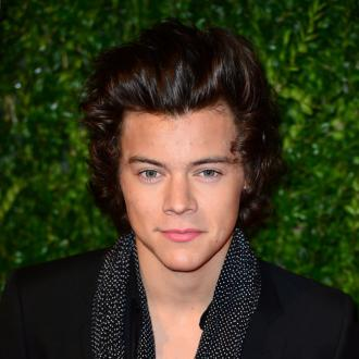 Harry Styles Wins British Style Award At 2013 British Fashion Awards
