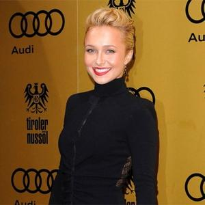 Hayden Panettiere Upstage By Streaker At Mtv Awards