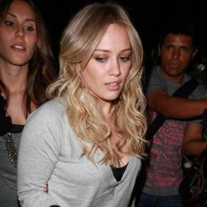 Romance Fan Hilary Duff
